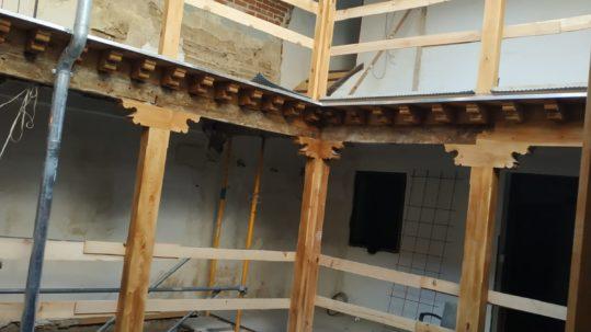 Rehabilitación patio interior de una casa antigua en ToledoRehabilitación patio interior de una casa antigua en Toledo